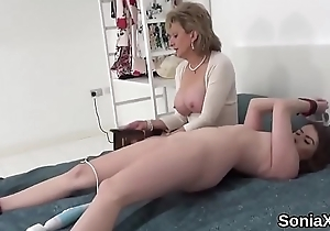 Unfaithful uk mature laddie sonia pops abroad the brush weighty jugs