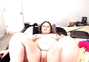 Adorable BBW MILF Courtney around squirting bleary tits