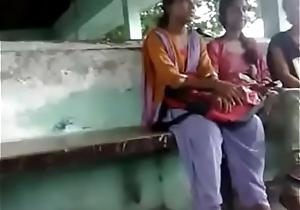 পালপাড়া কলেজের মেয়েদের সামনে Cook jerking