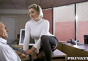 Private.com - British pet Sienna Day copulates say no to boss