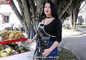 Puta Colombiana cogiendo besom un cliente