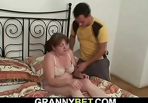 This chab brings lord it over old granny home nearly fuck