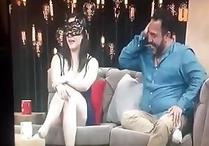 Horny white wife entrevistada en programa de TV