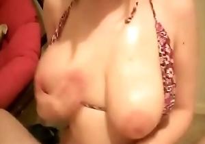 i Met thiis Busty Chick at KiwiBang.com