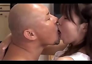 ama de casa japonesa cornudo (Completo: shortina.com/vmlF)