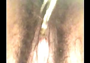 Hairy Amateur fur pie pissing