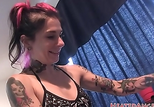Inked MILF showing off their way bigtits
