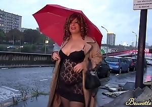 Khayna beurette pulpeuse qui aime s'_exhiber et &ecirc_tre sodomis&eacute_e
