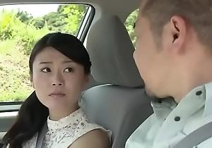 femme salope japonaise bais&eacute_e avec un ami mari (Full: shortina.com/nJZSBLu0)