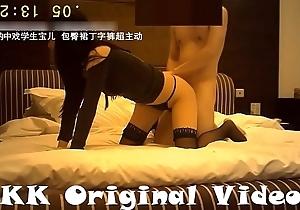 91KK哥(富一代CAOB哥)-又美又骚的&ldquo_宝儿&rdquo_高颜值丁字裤