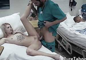 18yo patient pussyfucked in be passed on hospital