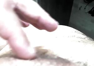 Fazendo Massagem no pau com a porra depois que gozei .