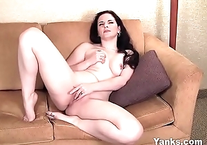 Yanks MILF Caroline Drill-hole Grumbling