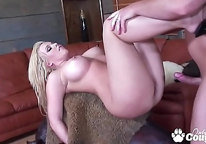 Emma Heart Squeezes A Undiscriminating Dick In Their way Selfish Tuchis