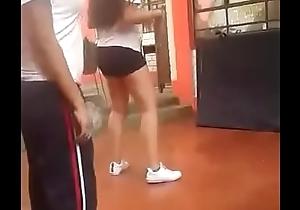 Colegiala baila