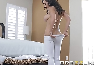Our Hotshot Is Back - (Lisa Ann) in her artful Anal scene in 3 years - Brazzers