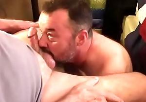 Cockwhore Acquires A Facial