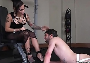 Tattooed tranny mistress anal fucks guy