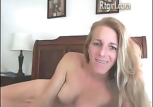 American milf shemale smoking and eating her cum
