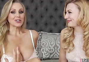 Julia Ann enjoys swishy sexual relations on every side Alexa Behove