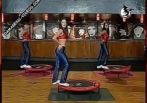 Chicas argentas hacen gym en calzas azules