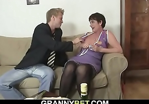 Sexual connection date with soft pussy old granny