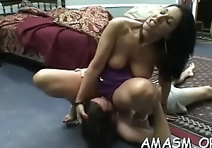 Lodging stiffener with woman facesitting shine in kinky modes