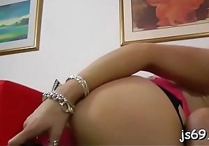 Busty playgirl peerless loves the sky of heavy jumbo dicks
