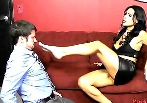 Femdom Office Worker Makes The brush Co-Worker Kiss The brush Ass - Cassandra Cruz