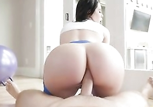Bootylicious abstruse close by yoga panties gets sodomized