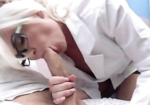 Titillating adulterate anent glasses seduces and fucks her patient