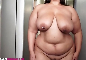 Fat brunette masturbates like there's no to be to come