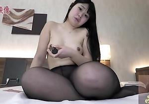 Weak-minded Asian girl to inexperienced bosom masturbates passionately in bed