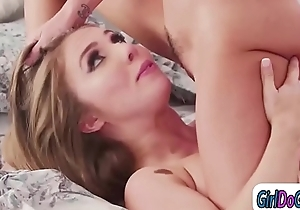 Pledgemaster initiates slut away from facesitting coupled with fingering say no to